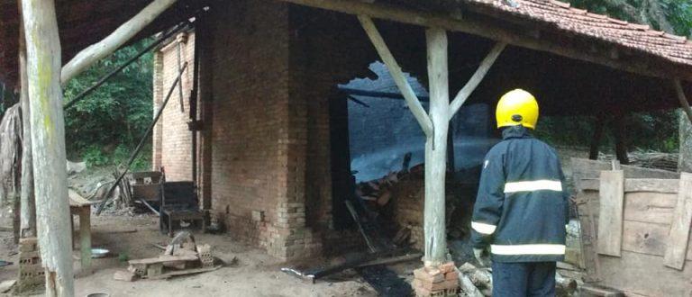 Candelária: dois casos de incêndio resultam em 980 varas perdidas