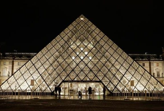 Louvre é o primeiro museu do mundo a ter 10 milhões de visitantes em um único ano