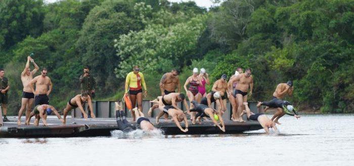Travessia a Nado reúne 66 competidores nas águas do Jacuí