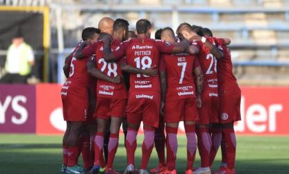 Inter começa Libertadores com vitória fora de casa