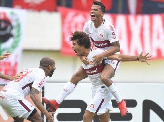 Fora de casa, Inter vence o Caxias por 2 a 1 e larga na frente na semifinal do Gauchão