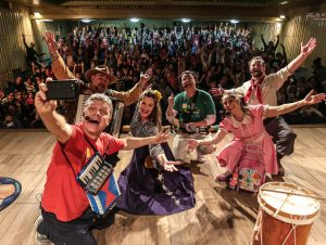 "Cachoeira recebe o espetáculo musical ""Pandorga da Lua"""