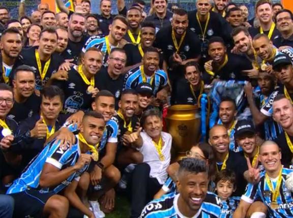 Grêmio é bicampeão gaúcho