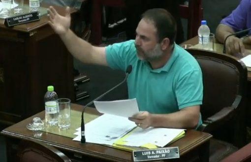 Paixão coloca nome à disposição para concorrer a prefeito