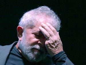 Justiça nega pedido de indenização para Lula contra Eduardo Bolsonaro