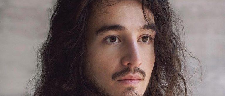 """Acústico MTV: Tiago Iorc apresenta """"Reconstrução"""""""