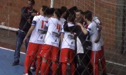 Em jogo de 13 gols, São José vence em casa