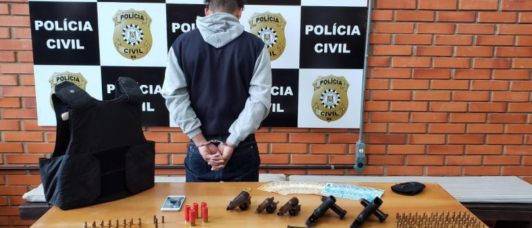 Homem é preso com armamento no Bairro Barcelos