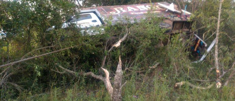 Mulher morre em acidente de caminhão na BR-290