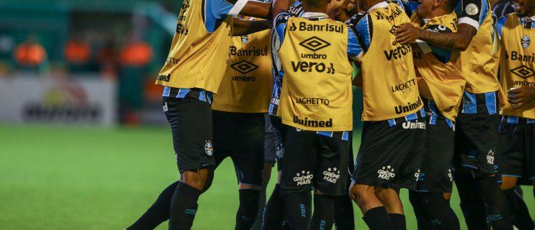 Grêmio vence a Chape na Arena Condá e se mantém no G-4