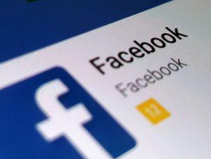 Facebook pode mudar de nome