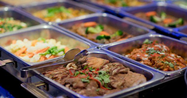 Liberada modalidade buffet nos restaurantes
