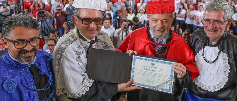 Lula é doutor de novo