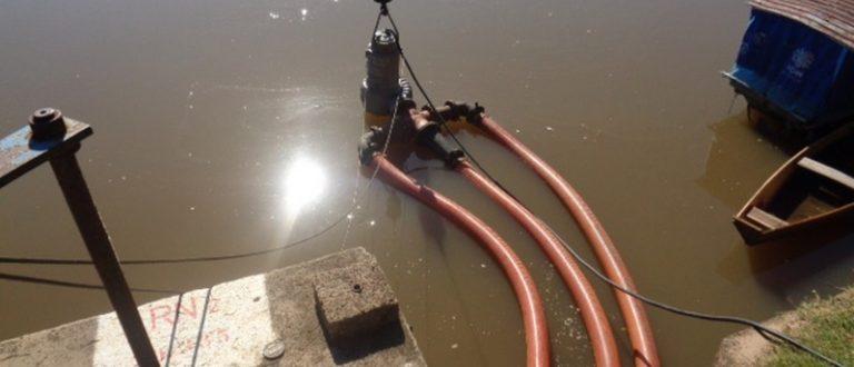 Devido à estiagem, Corsan já usa bomba submersa para captar água