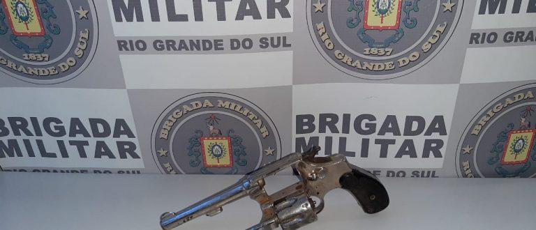 Homem é preso por porte ilegal de arma