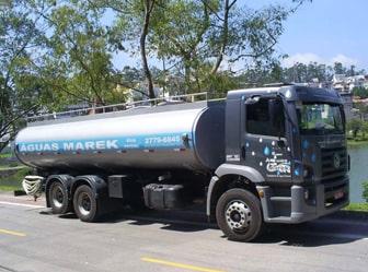 Conheça as vantagens de contratar caminhão-pipa para encher piscina