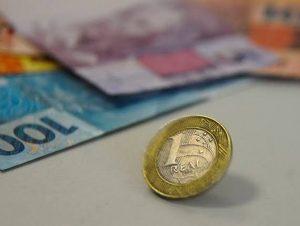 Mercado financeiro eleva projeção da inflação para 7,05% este ano