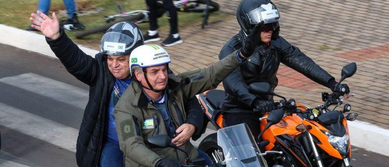 Bolsonaro participa de ato com motociclistas em Chapecó