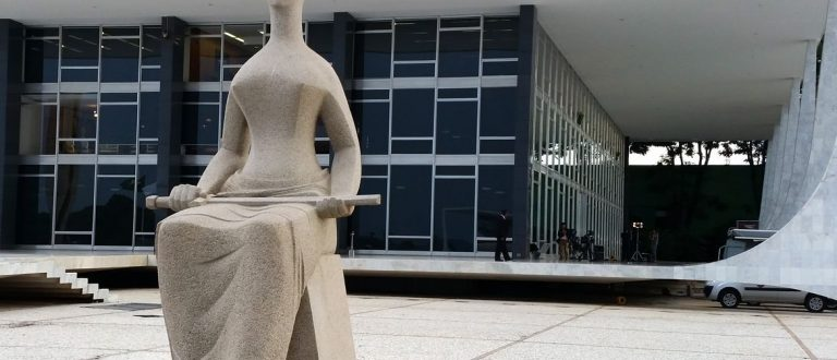 STF proíbe permanência em estatais de funcionários aposentados após 2019