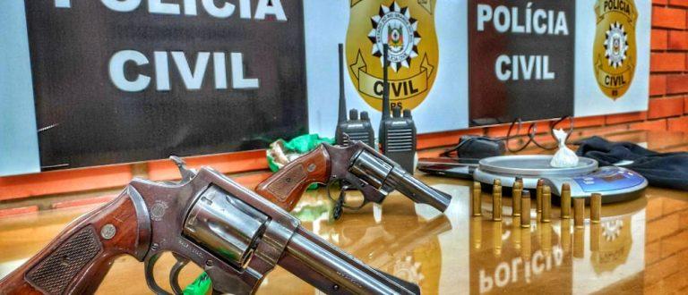 Polícia prende rapaz com touca ninja, armas e munições no Soares