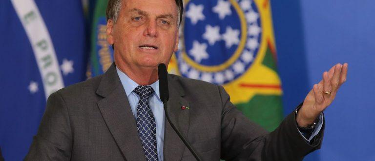 Bolsonaro diz que governo atuará por Copa América no Brasil