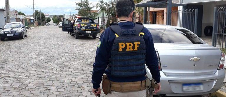 BR-290: PRF prende mulher com carro obtido por fraude