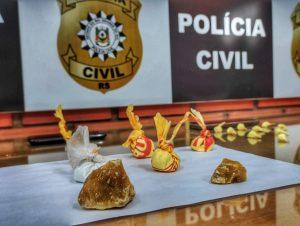 Polícia detém dupla com crack e cocaína
