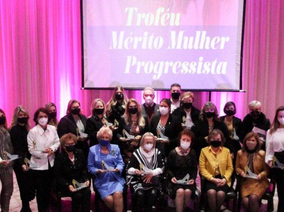 Troféu Mérito Mulher Progressista: vice-prefeita recebe homenagem