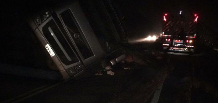 Motorista morre em acidente com ônibus na BR-471