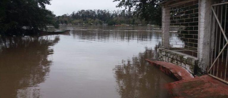 Cheia do Rio Jacuí começa a baixar na região