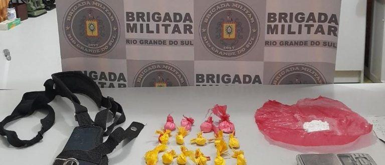Promorar: BM prende homem com 22 porções de cocaína