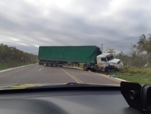 Acidente provoca interrupção do trânsito na BR-290