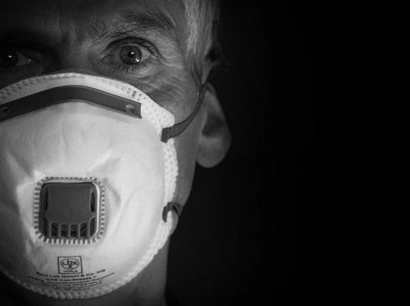 Covid volta a levar pacientes com síndrome respiratória grave ao HCB