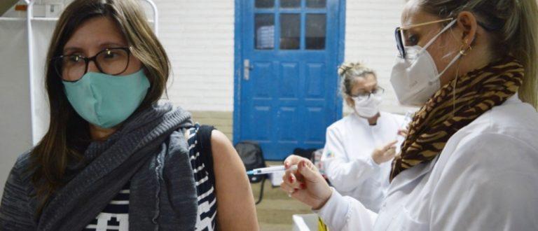 Vacinas esgotadas: 2.412 doses aplicadas