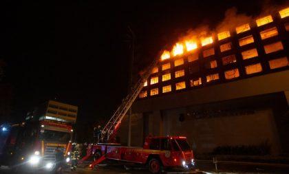 Bombeiros seguem desaparecidos após incêndio no prédio da SSP