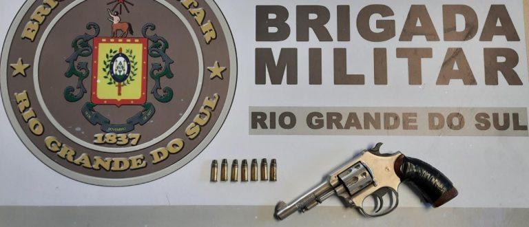 BM de Pantano Grande prende casal por porte ilegal de arma de fogo