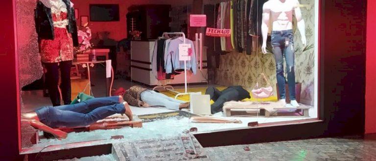 BM detém trio após furto de veículo e estabelecimento em Agudo