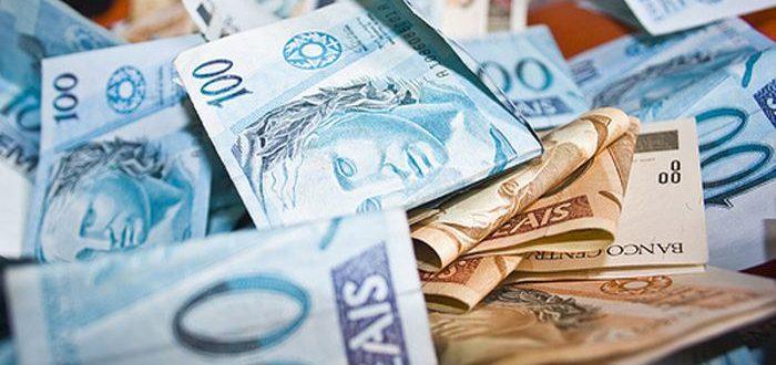 Salário mínimo deve ficar em R$ 1.169,00 em 2022