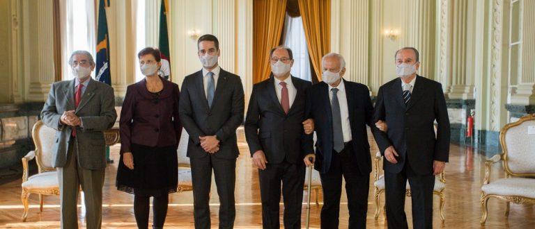 Eduardo Leite sanciona fim da pensão vitalícia dos ex-governadores