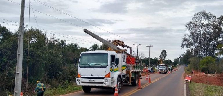 Construção de pórtico de Cerro Branco interrompe RSC-481 nesta segunda
