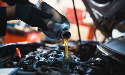 Água/líquido de arrefecimento e óleo no nível: cuidados básicos com o motor do seu carro