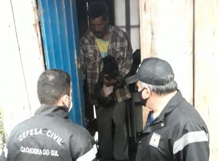 Cheia do Jacuí: Defesa Civil já removeu 23 moradores de casas em risco