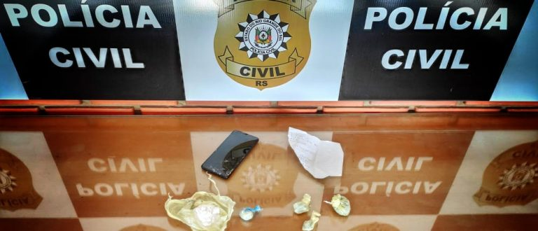 Polícia apreende porções de cocaína e maconha no Promorar