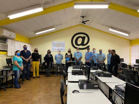 MP doa 40 computadores para laboratórios de informática de escolas de Cachoeira do Sul