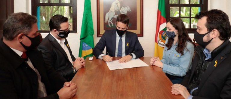 Sancionada criação da campanha Setembro Amarelo no RS