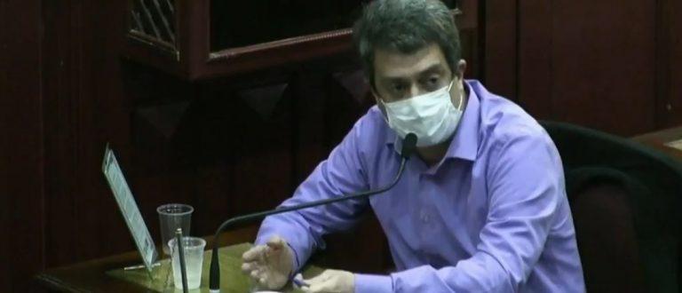 Após fracassar em barrar Diário gratuito, Figueiró pede volta para Saúde