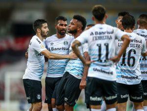 """Grêmio vence """"poderoso"""" Flamengo no Maracanã"""