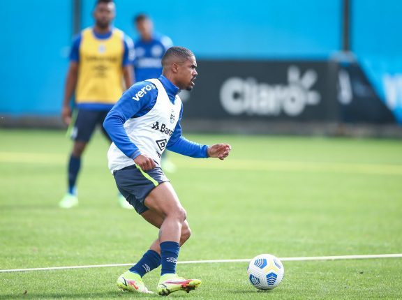 Grêmio realiza mais um treino com foco no Sport