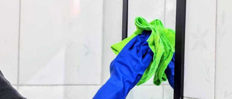 Como limpar espelho: as melhores técnicas para aplicar em casa