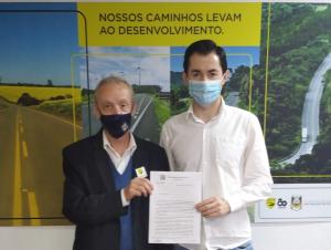 ERS-502: prefeito de Paraíso do Sul entrega pedido de asfaltamento